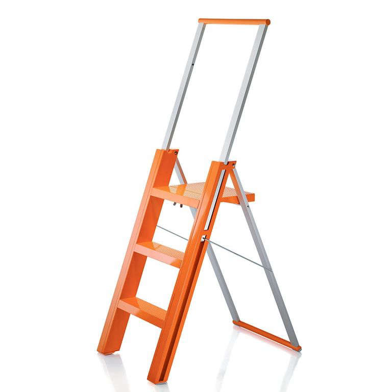 flo-folding-stepladder-magis  sc 1 st  Gardenista & 10 Easy Pieces: Step Stools and Ladders - Gardenista islam-shia.org
