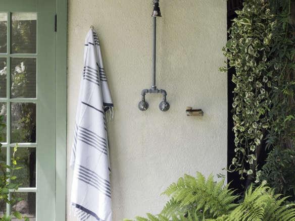 Fieldshowr Mobile Outdoor Shower