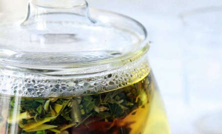 700_allergy-tea-steeping-with-lid1