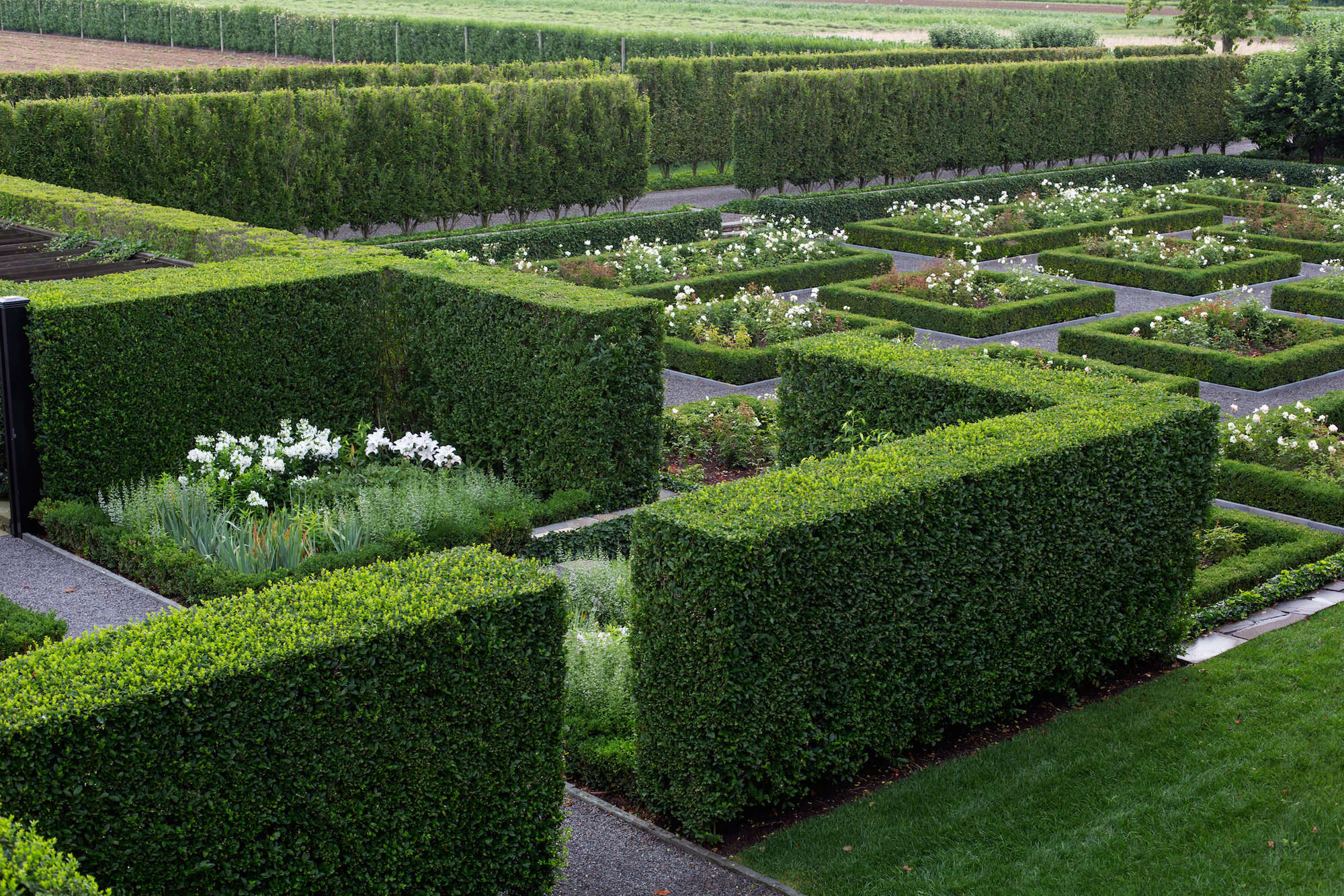 Grandeur In The Hamptons A Sprawling Estate Sunken Rose Garden