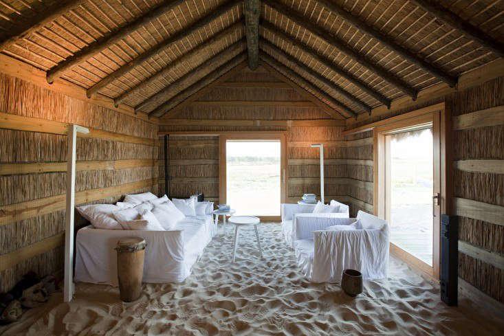 你在墨西哥的一家餐馆里,在墨西哥,在一间小木屋里,有三个月内的圣何塞。除了混凝土,建筑材料和木材材料,包括建筑。纳尔逊·纳尔逊的照片。