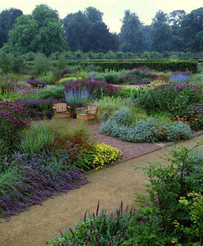 Dutch Garden Designer Piet Oudolf Plants Perennials In Great Sweeps, A  Technique He Pioneered At