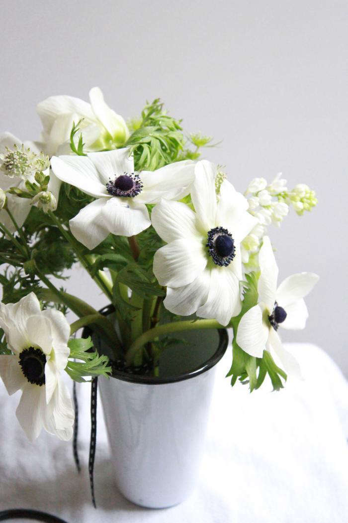 Bouquet of the week splurge on black and white anemones gardenista 700anemone bouquet mightylinksfo