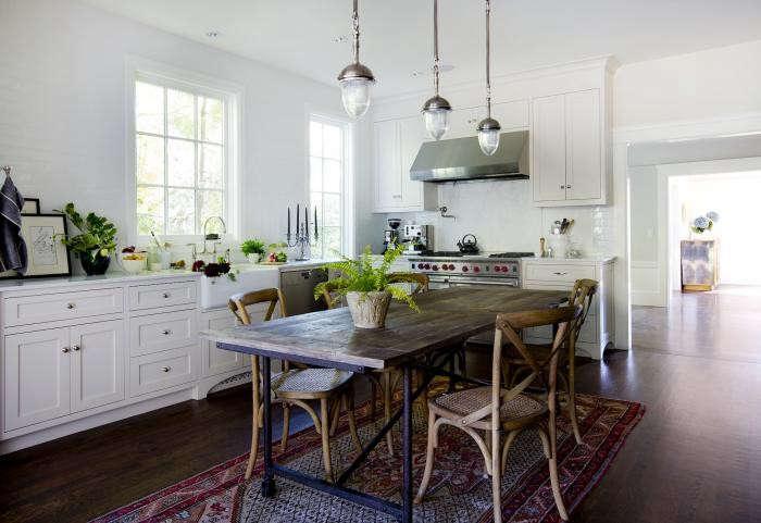 700_slatalla2-1-kitchen-view-700x481