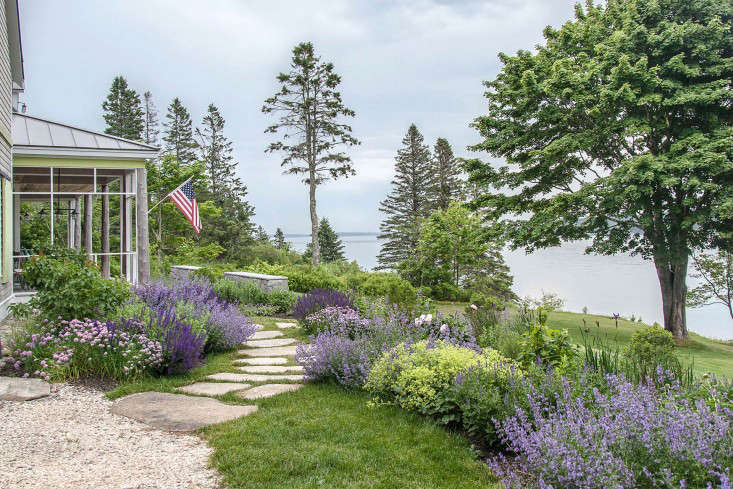Massachusetts-based landscape architect Matthew Cunningham grew up in  Maine. So when prospective clients - Seaside Gardening: 10 Ideas For Serene Coastal Landscapes - Gardenista
