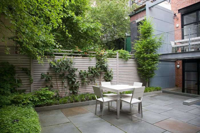 Robin Key Landscape Architecture created a modern outdoor room for a young family in downtown Manhattan. For more, see Lush Life: A Townhouse Garden in Manhattan.