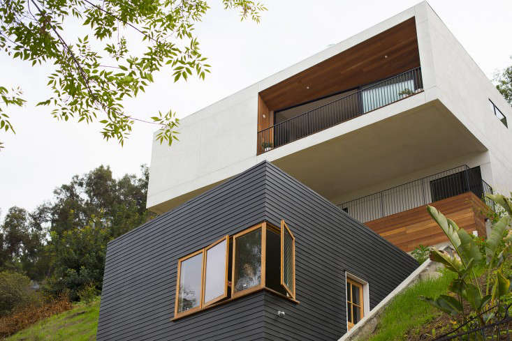 For the renovation of their own house situated on a steep cliff in Silver Lake, LA-based architects Cleo and McShane Murnane of Project M Plus painted the lower half of the exterior siding with Benjamin Moore Cracked Pepper (