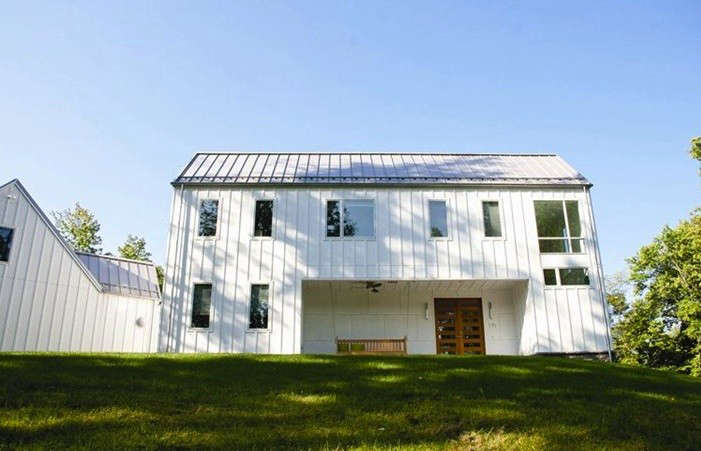 Standing-Seam-Roof-Pennsylvania-residence-Gardenista