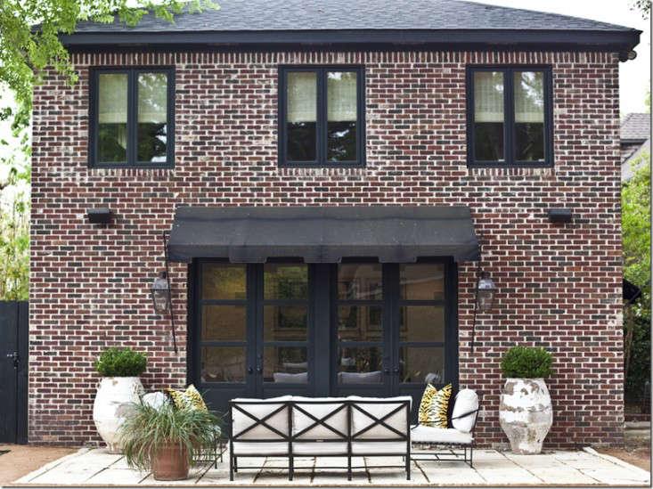 10 Easy Pieces Window Awnings Gardenista