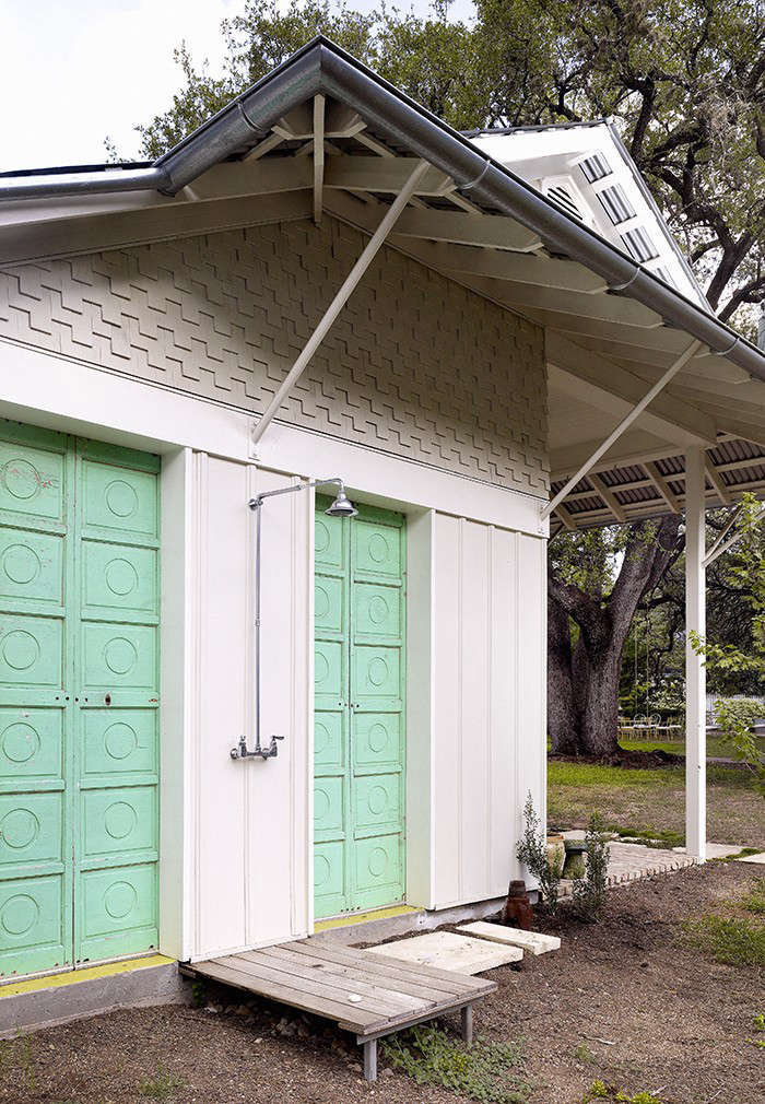 Outbuilding of the Week: Travis Heights Arts Studio by Clayton and ...