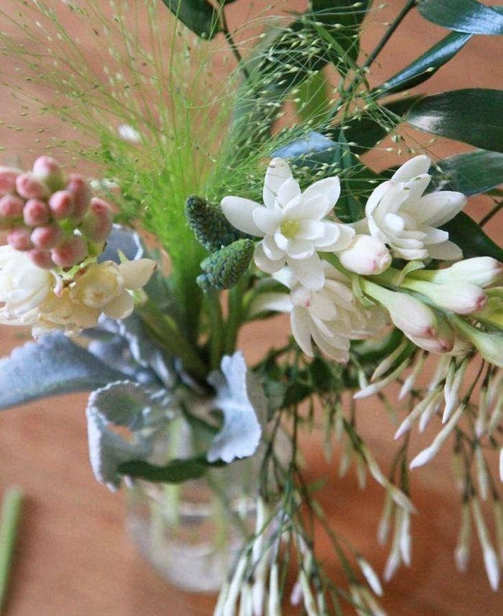 DIY Flowers: 11 Easy Winter Floral Arrangements - Gardenista