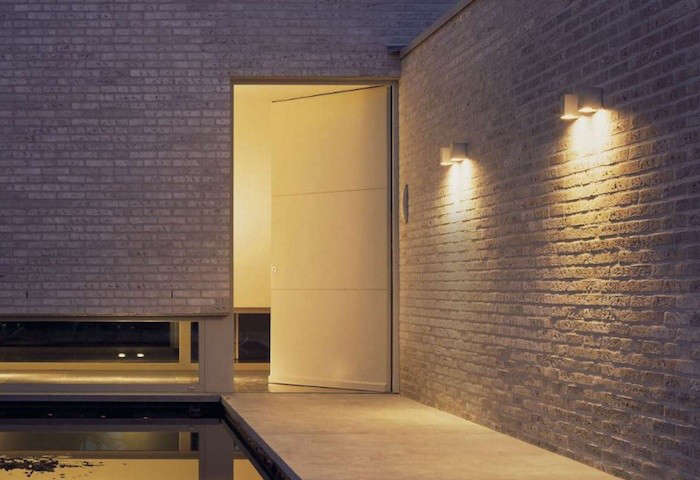 Hardscaping 101: Outdoor Entry Lighting - Gardenista