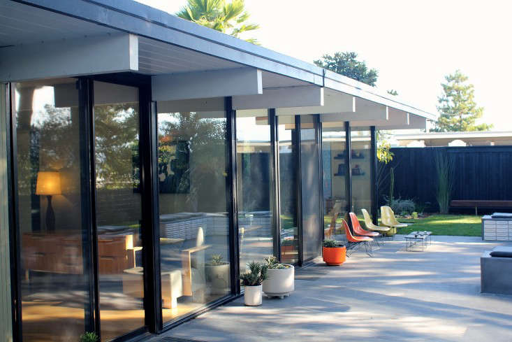 above a crucial piece of eichler and all california modern style is how outdoor and indoor spaces relate to each other clients who had just - Mid Century Modern Landscaping
