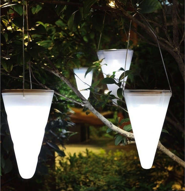 Hanging Solar Garden Light Cornet Gardenista