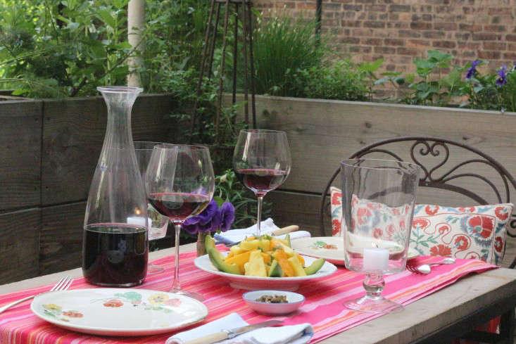 Garden Visit 66 Square Feet Plus On A Harlem Terrace Gardenista