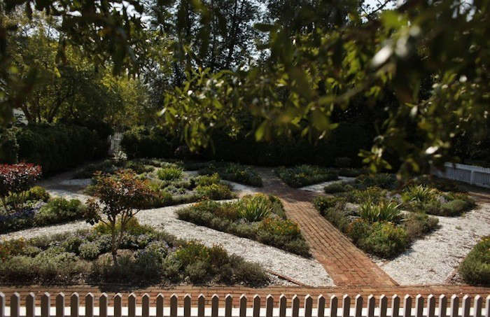 Oyster Shell Paths At Colonial Williamsburg