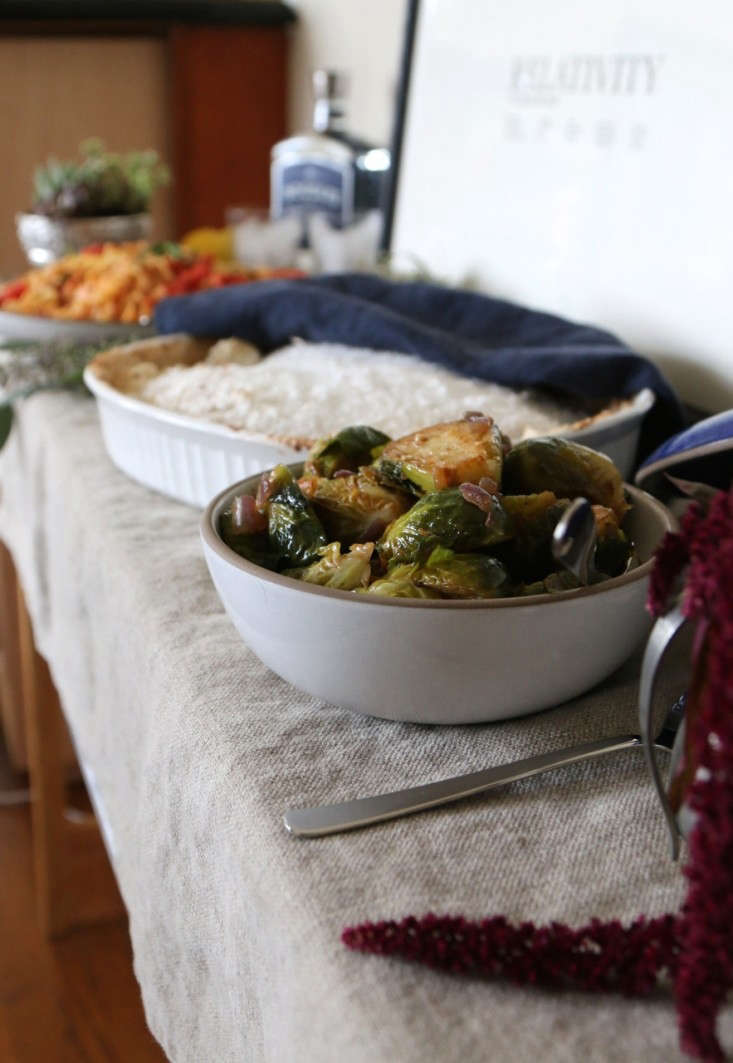 Fall Dinner Party Menu Suggestions Part - 50: Above: Another Weeknight Dinner Party Hint Is To Serve The Food Buffet  Style. This Also Sets A Tone, Signaling To Guests Theyu0027ve Been Invited To A  Relaxed, ...