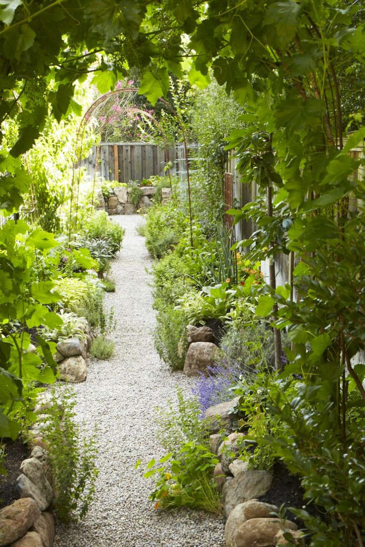 The New Vegetable Garden 8 Favorite Edible Backyards Gardenista