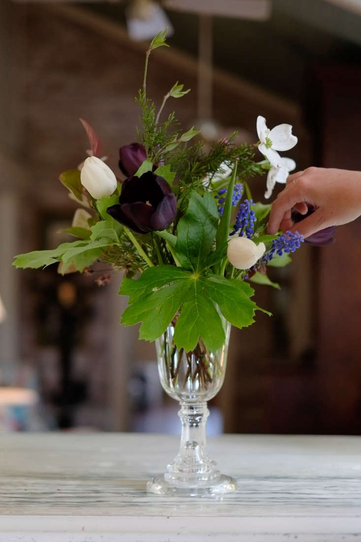 Wedding Flowers: 15 Foraging Ideas for Bouquets and Arrangements ...