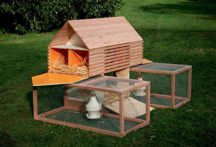 5 favorites backyard chicken coops for small flocks for Small chicken house plans