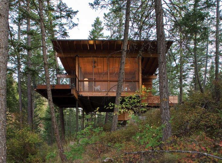 在北山,位于西部的西部森林,位于加利福尼亚州的海滨别墅,在一个小木屋里,建造了一个位于南瓜岛的桥梁,以及一个位于圣基岛的湖。来自全球的阳光,来自一个来自瓦里湖的小木屋,从卡布拉街的一辆车里。