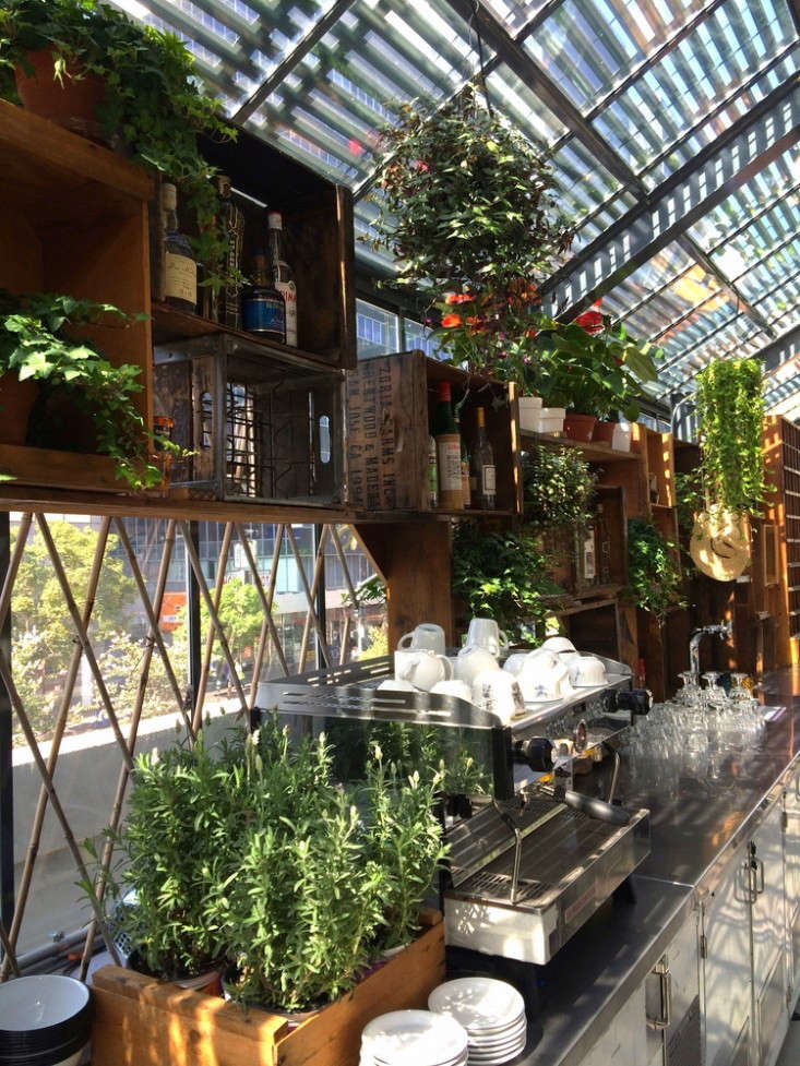 Restaurant Visit Roy Choi S Commissary Inside A