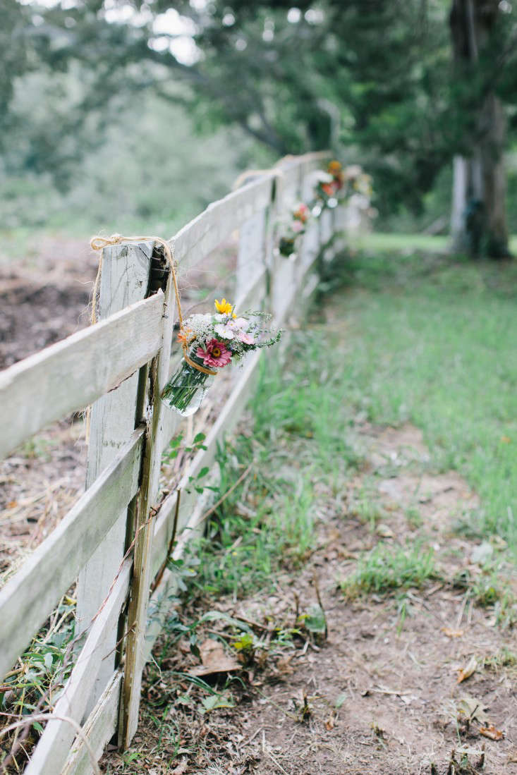 Marry Me 10 Tips to Plan a Simple Outdoor Wedding Gardenista