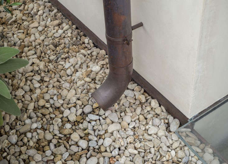 what are the components of a french drain system