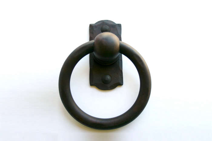 Bon Above: From Williamsburg Blacksmiths, The Forged Curl Door Knocker Has An  Ominous Pointed Edge; $72. Above: Hand Forged Wrought Iron ...