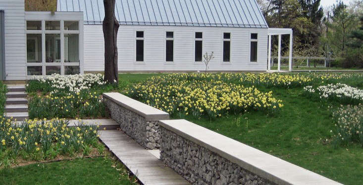 Hardscaping 101: Gabion Walls - Gardenista
