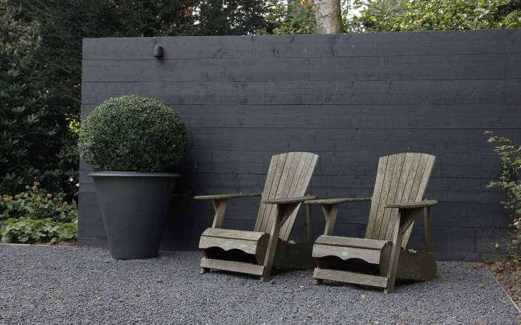 martin veltkemp black fence - Garden Design Trends 2015