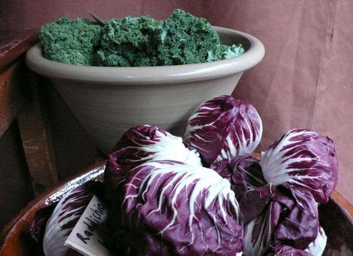 看着PPPPPPPPPRRRRRRRA和其他的水果和蔬菜。从威尔逊·卡弗里的照片。