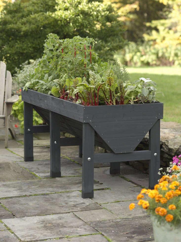 Trend Alert Black Stained Raised Beds Gardenista