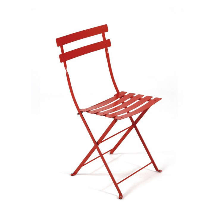 10 easy pieces red caf chairs gardenista rh gardenista com red chair cafe anchorage red cafe chairs for sale