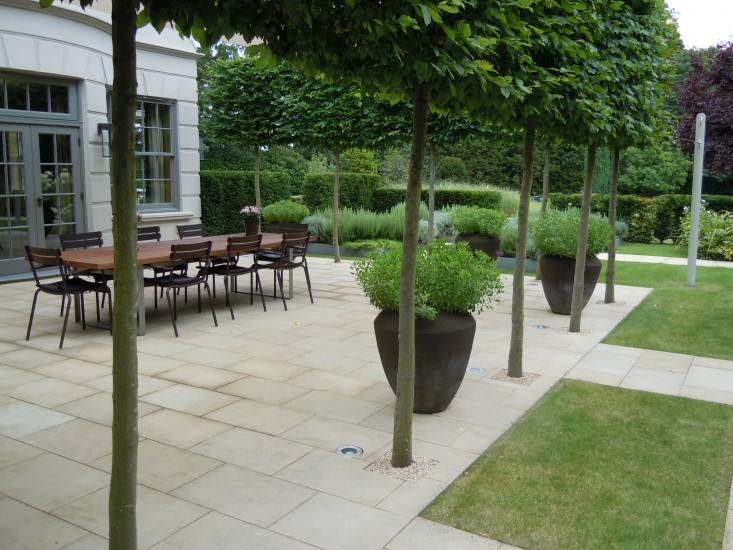 Landscape architect visit a refined kitchen garden by for English terrace