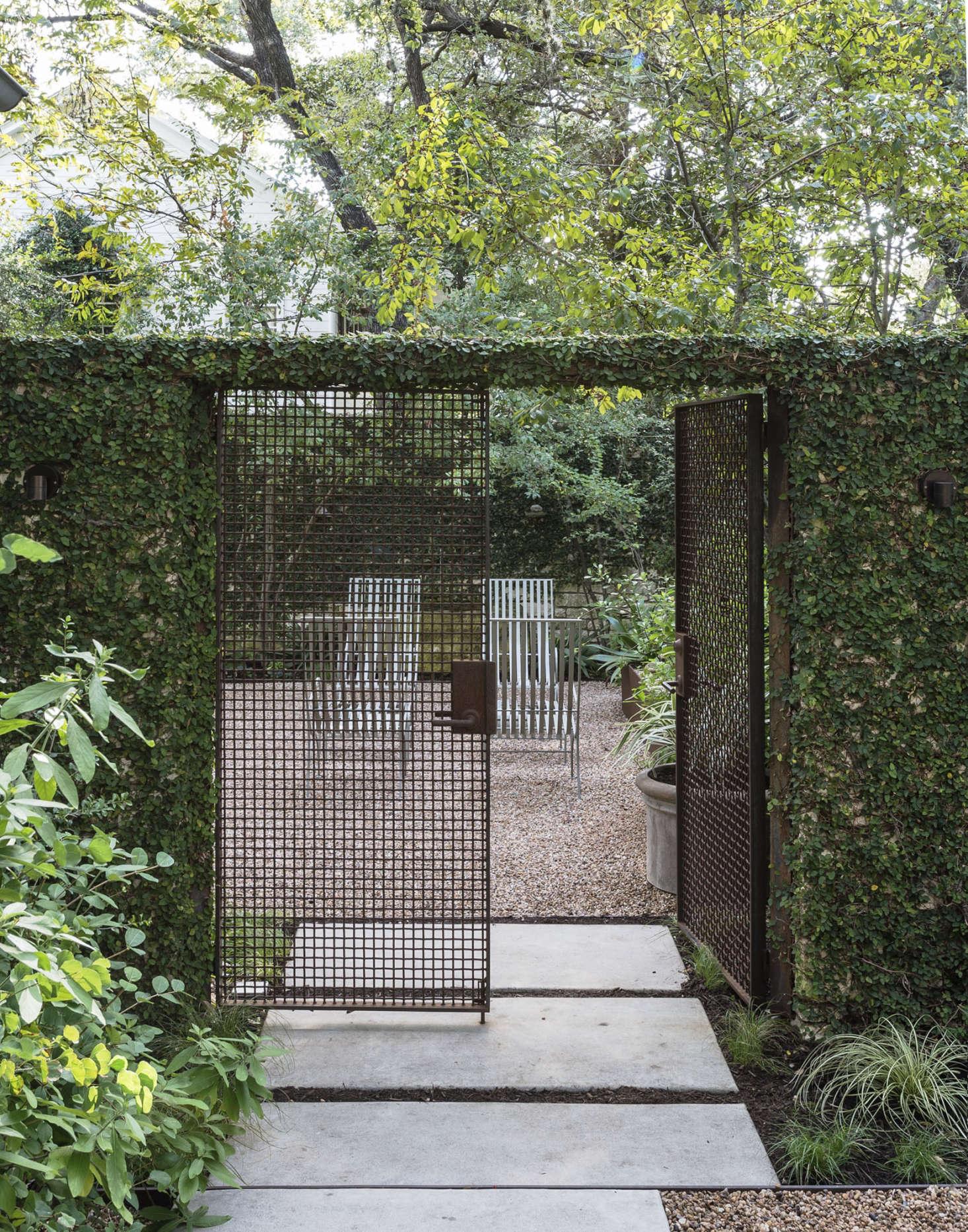 Genius garden hacks with rusted metal gardenista