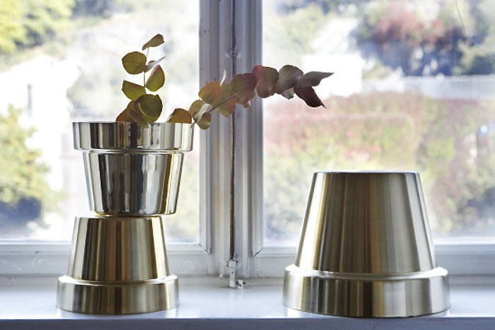 indeed plunk an ordinary houseplant into one of our five favorite metallic planters and your windowsill garden might just become the most glamorous corner