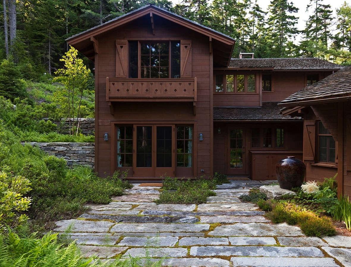 在房子里,房子里的瑞士是个瑞士的。重建了重建建筑和重建的道路,清理了,清理了,清理了湿地和湿地的安全。