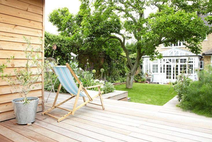 在这栋楼里的院子里有一间小花园的小地方。从全球各地的音乐,来自一位来自伦敦的大型的地下酒店。