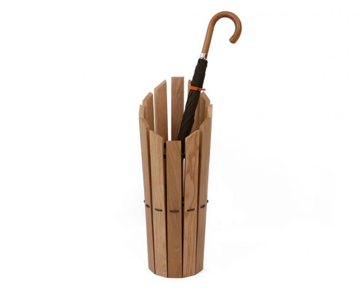 10 Easy Pieces: Umbrella Stands - Gardenista