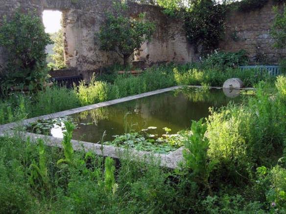 paradise found designer dan pearsons modern garden for a medieval castle