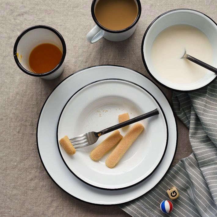 10 Easy Pieces Outdoor Dining Plates & 10 Easy Pieces: Outdoor Dining Plates - Gardenista