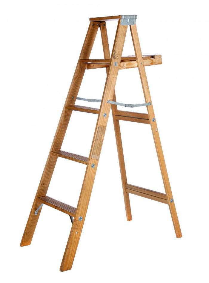 6 Ft Wood Step Ladder