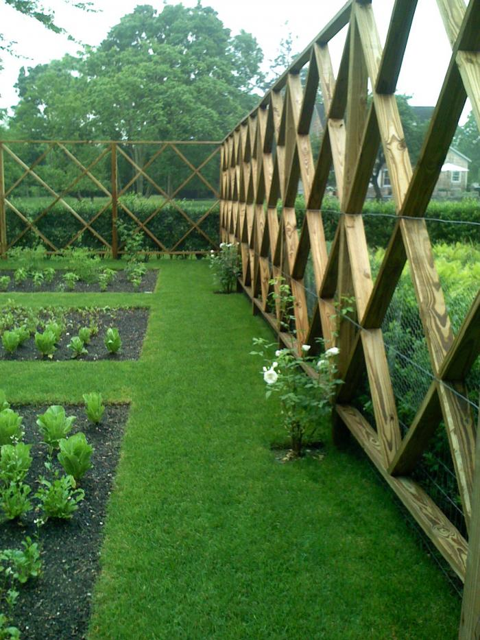 Bon The Landscape Designer Is In: Elegant Deer Fencing, Hamptons Edition