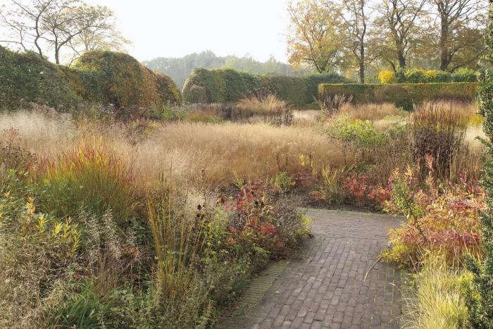 Required reading how to recreate piet oudolf 39 s painterly for Piet oudolf private garden