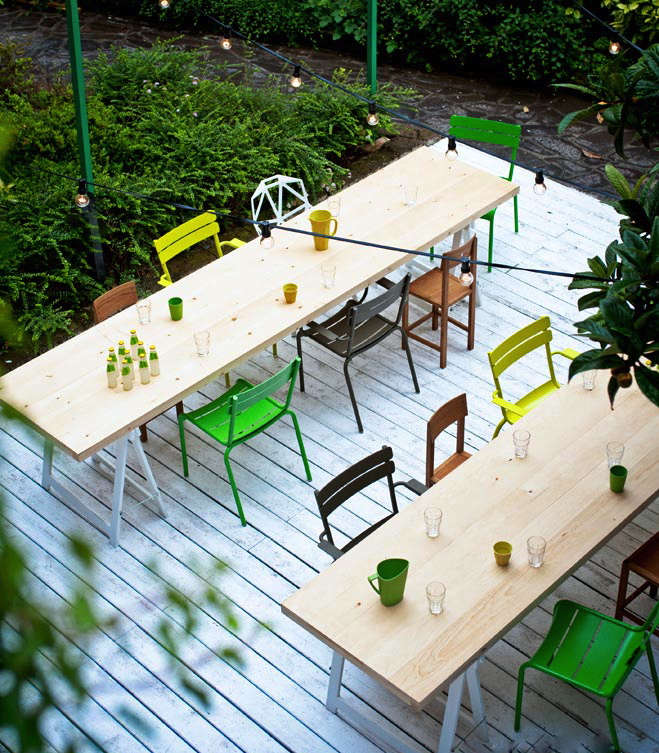 Steal This Look A Colorful Outdoor Lounge Gardenista - Outdoor communal table