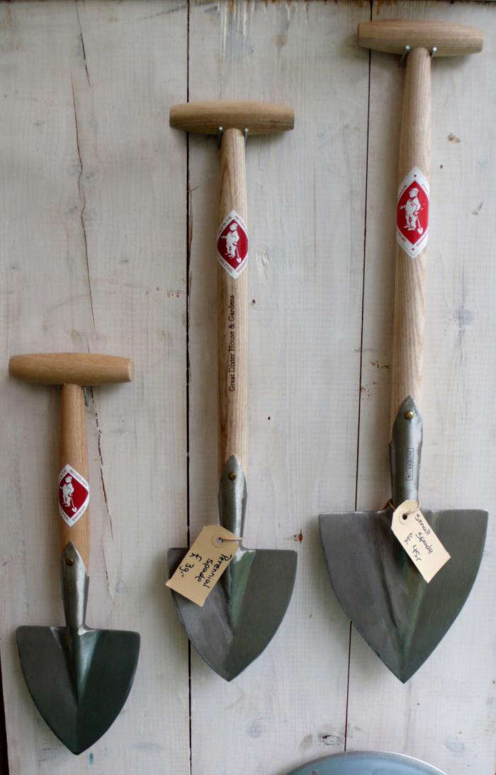 Above: Why Offer Just One Size Of Pointed Spade When You Can Offer Several?  Many Of Us Find Ourselves Gardening On Our Knees, And A Spade With A  Shorter ...