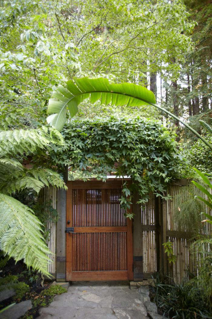 5 Favorites Modern Wooden Garden Gates Gardenista