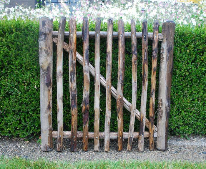 10 Easy Pieces: Wooden Garden Gates - Gardenista