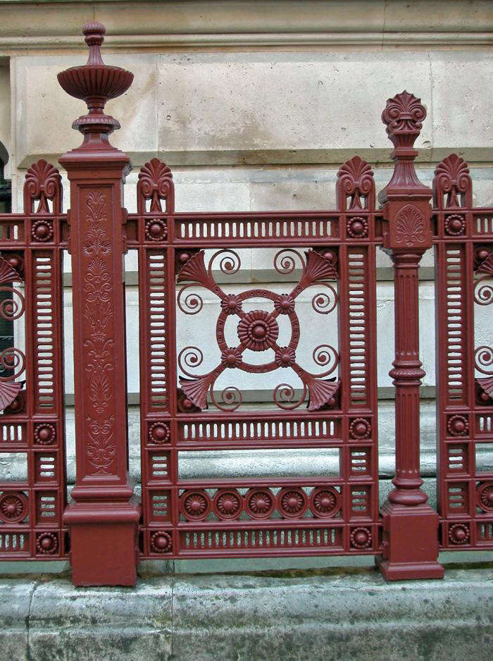 Paint Colors for Iron Gates and Fences - Gardenista
